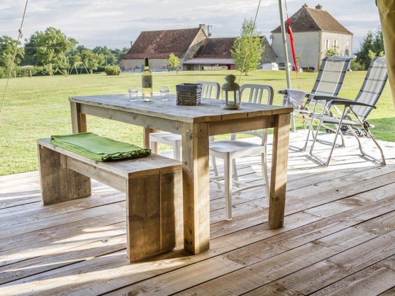 Terras safaritent - La Maison Bornat, glamping.nl