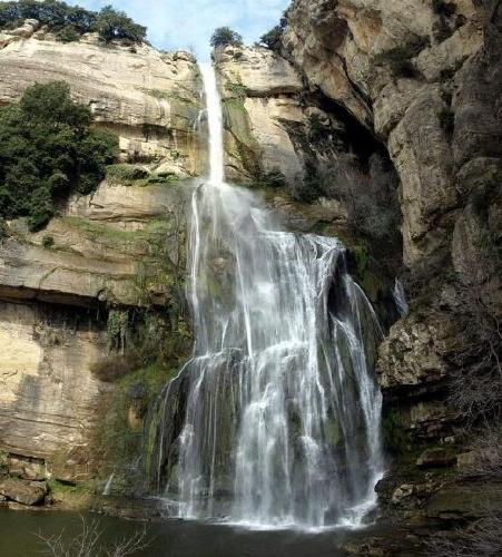 Waterval vlakbij Rupit