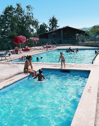 Het zwembad op Rupit