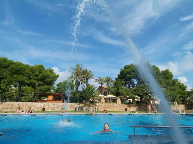 Vilanova Park buitenzwembad
