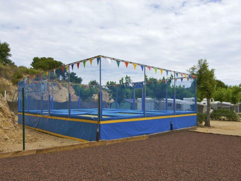 Tucan, trampoline paradijs