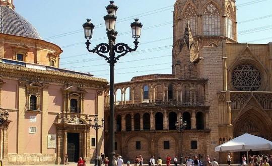 Bonita Valencia
