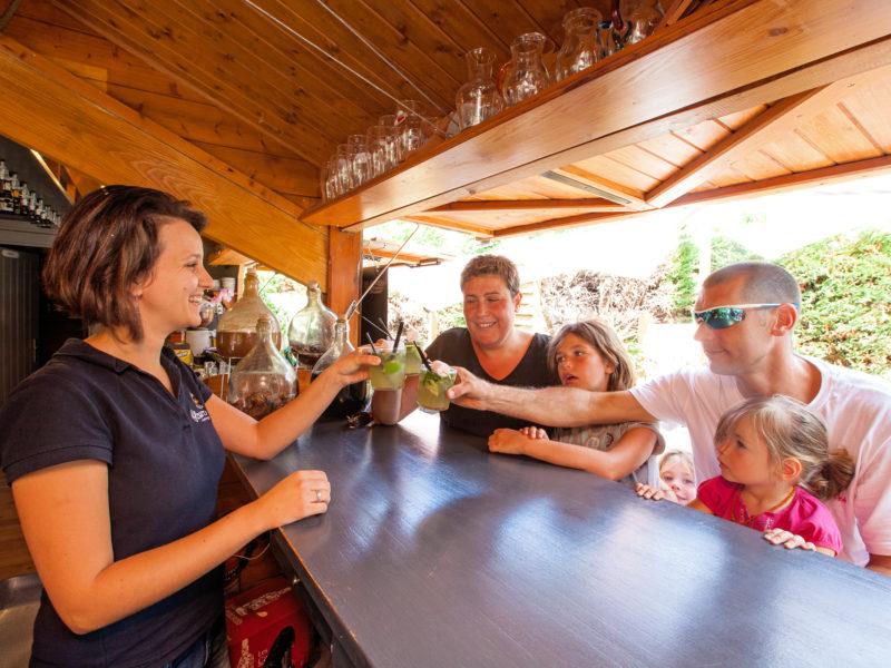 Camping La Clairière bar