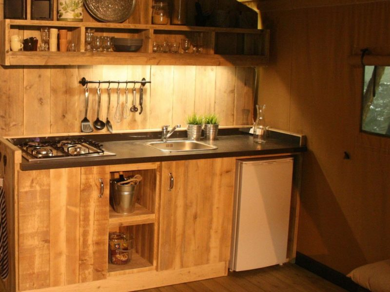 Tendi Safaritent Comfort keuken glamping