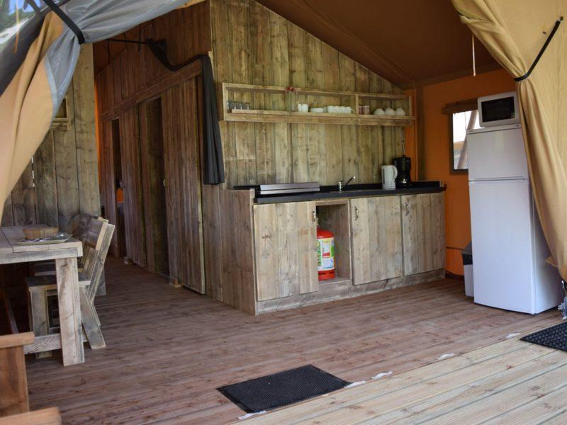 keuken safaritent woody glamping