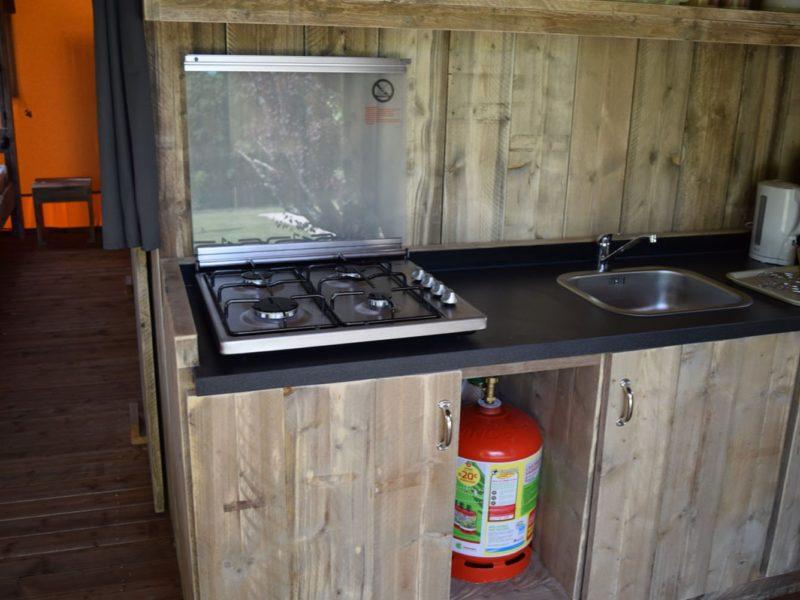 kookplaat safaritent woody glamping