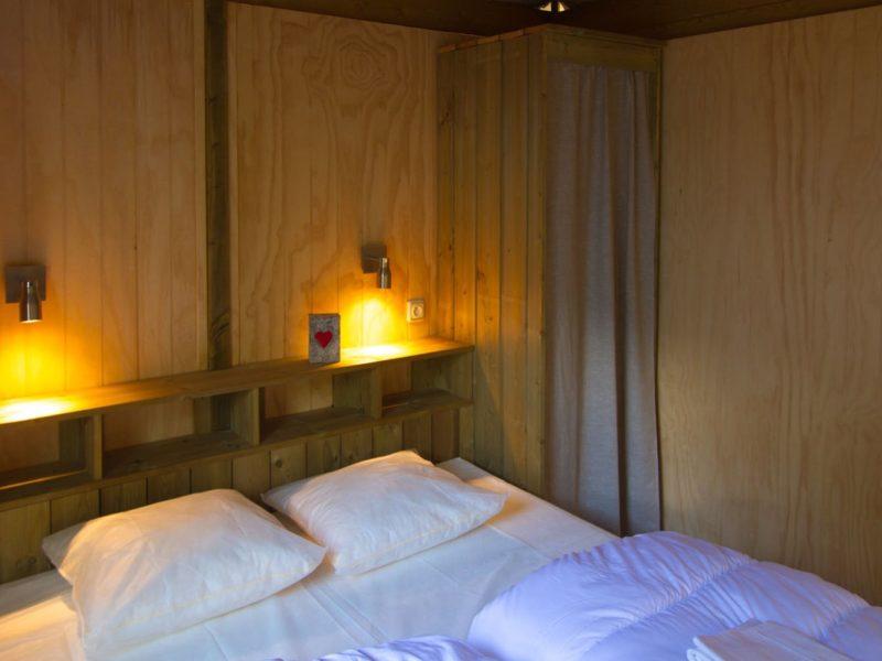 slaapkamer explorer lodge glamping