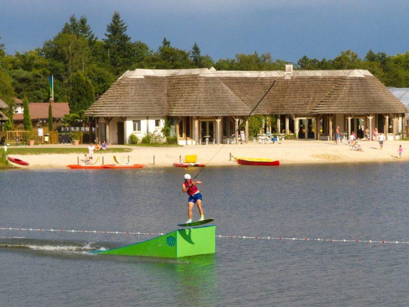 waterskibaan les alicourts resort