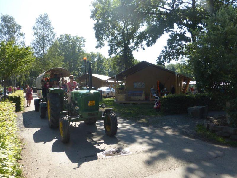 Tendi Safaritent met tractor - Fuussekaul