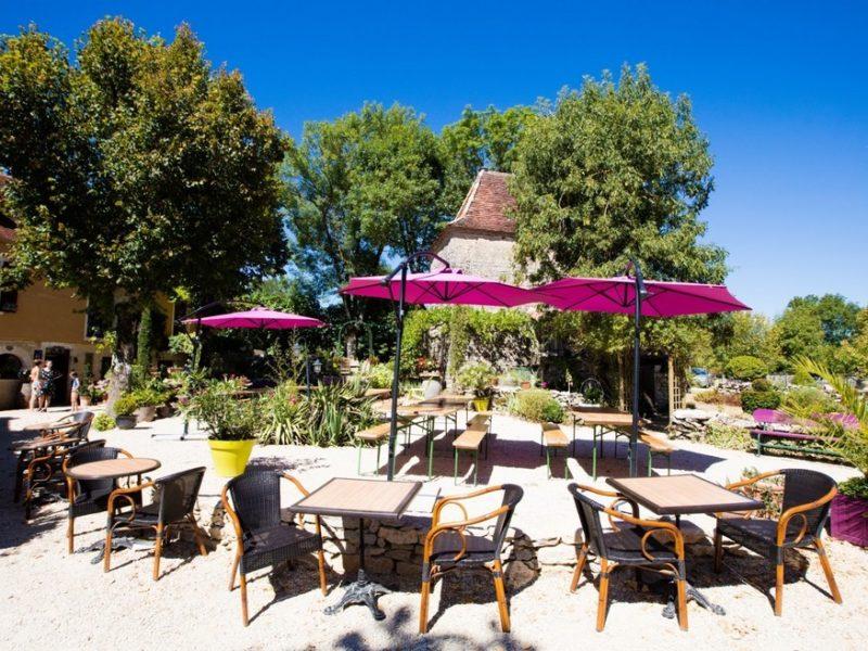 Terras restaurant - Domaine de la Faurie, glamping.nl