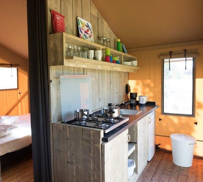 Keuken safaritent Lac de Bonnefon