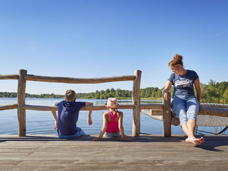 terspegelt camping gezin