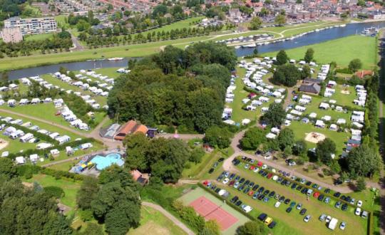 Luxe kamperen in Ommen op camping De Koeksebelt
