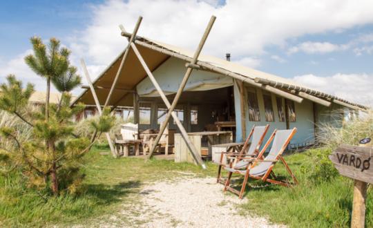 Luxe kamperen aan het Nederlandse strand