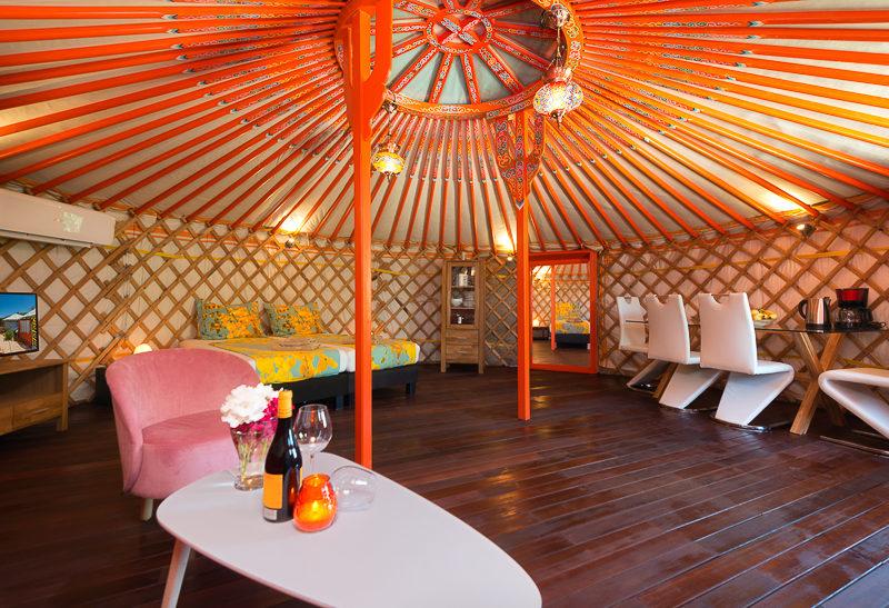 la granja de antonio yurt binnenkant