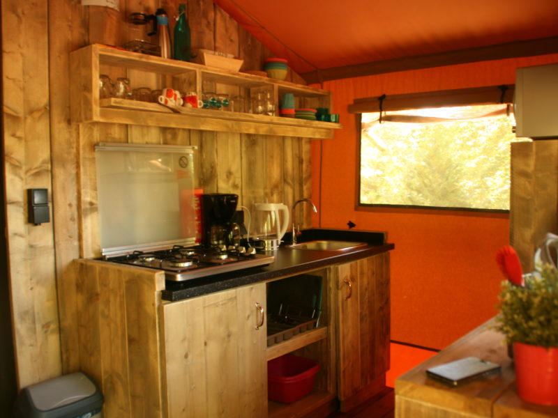 Au Bois Joli - Interieur en keuken tent