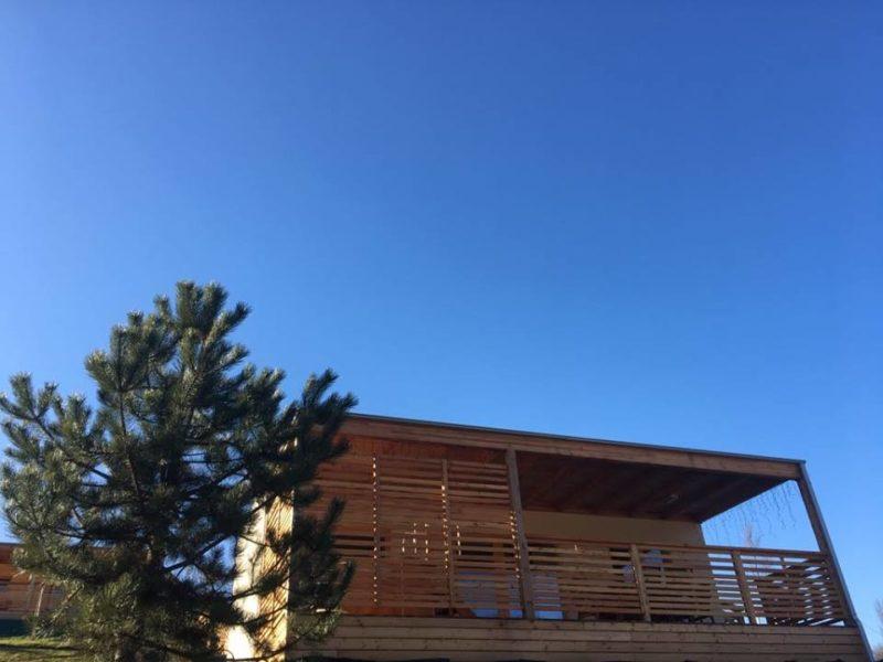 Bioterme, glamping villa / stacaravan