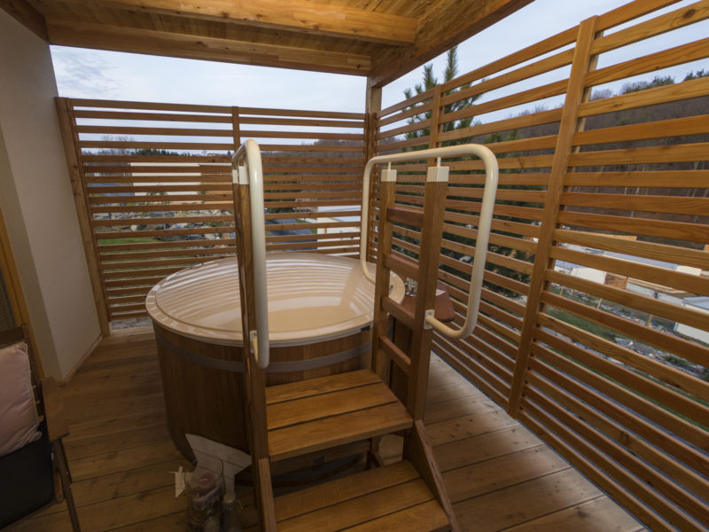Glamping Sun Valley Bioterme hottub