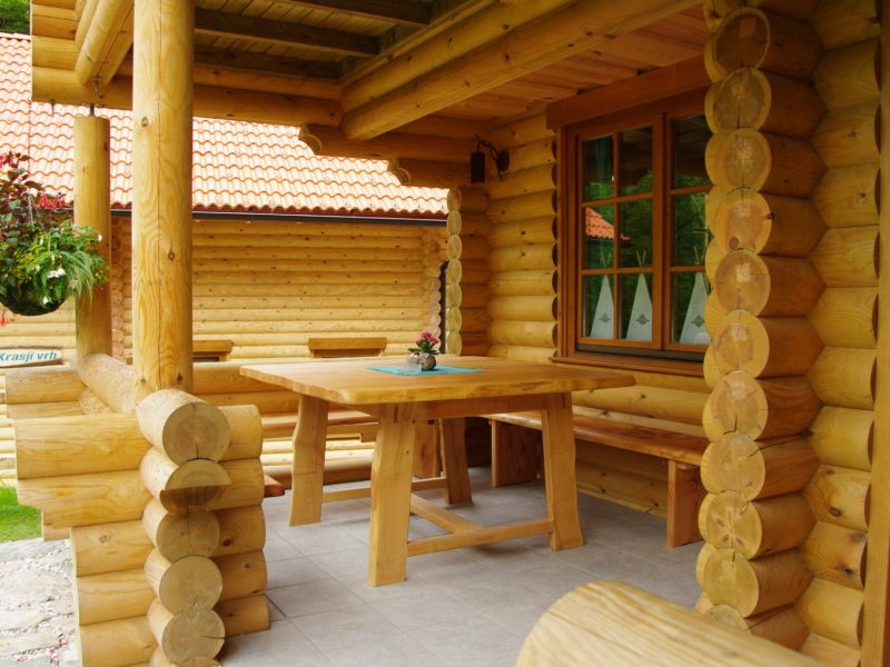Kamp Koren veranda bungalow