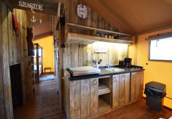 Glamping - de Meerpaal - Safaritent, keuken