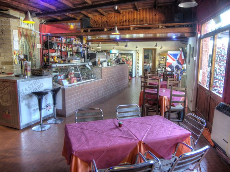 Flaminio VIllage Bungalow park - glamping - restaurant binnen