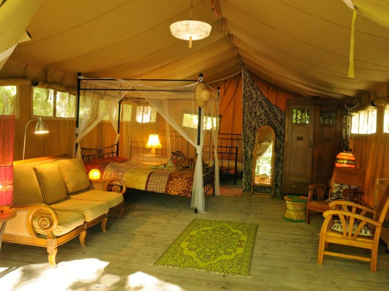 Interieur safaritent van Le Grand Bois
