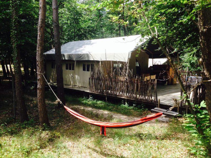 Je eigen hangmat naast je safaritent op Le Grand Bois
