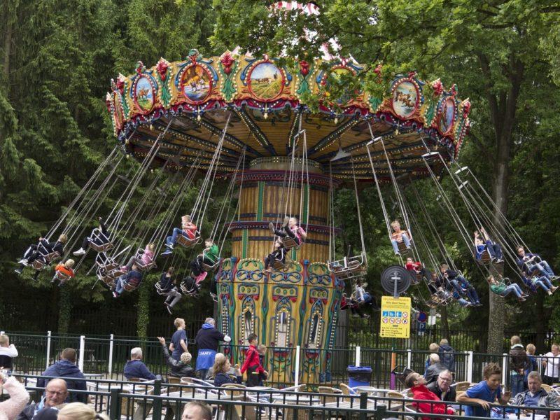 Vakantiepark Drouwenerzand - attractiepark draaimolen - glamping