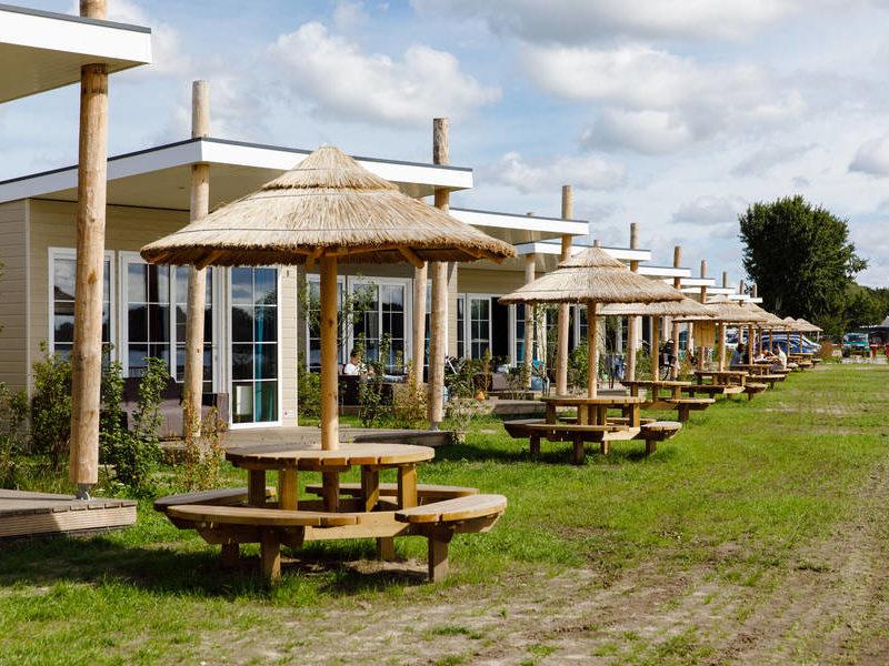 Strand lodges - RCN Zeewolde, glamping.nl