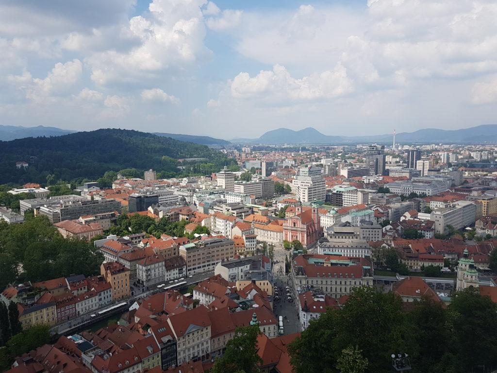 Uitzicht vanaf kasteel Ljubljana - glamping in Slovenië