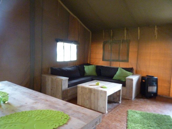 Glamping - De konijnenberg - interieur safaritent