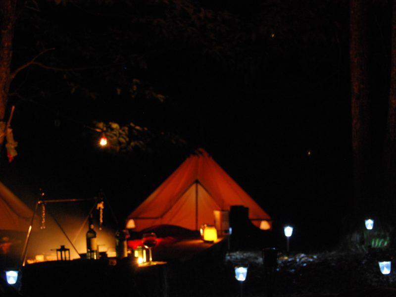 Kinda Kamping - Glamping - Bell tent