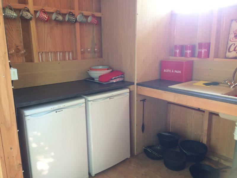 Kinda Kamping - Glamping - keuken bell tent 2