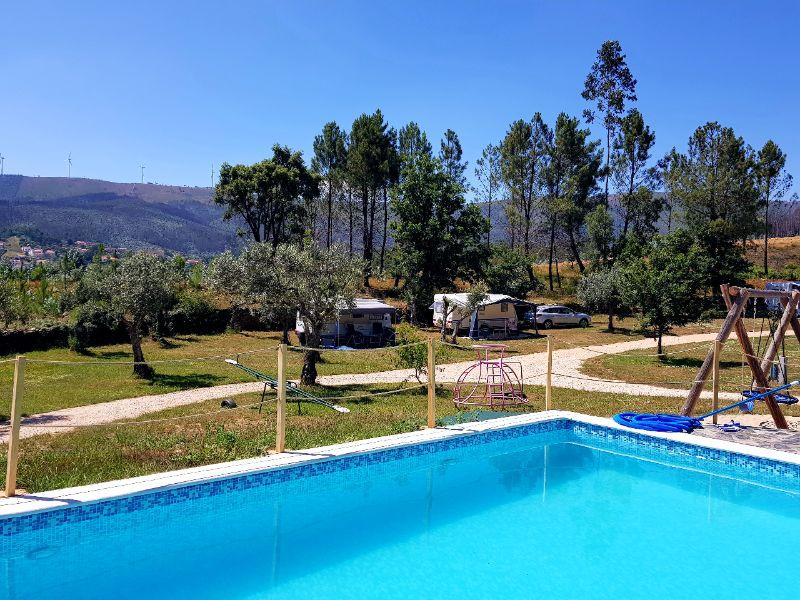 Quinta do Castanheiro - Glamping - zwembad met uitzicht