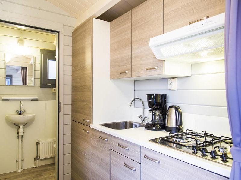 Keuken kampeerchalet - RCN de Potten, Glamping.nl