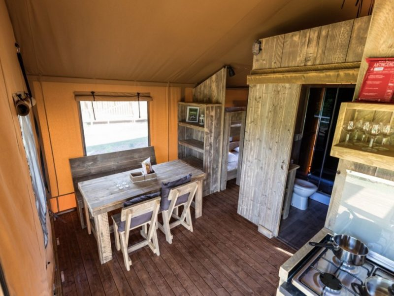 Inrichting safaritent - Les Lauriers Roses, glamping.n