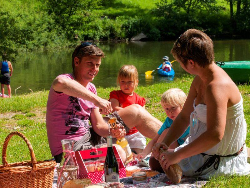 Glamping - La Boissiere - picknicken bij de Lot