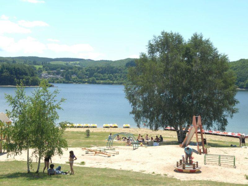 Glamping - Rieumontagné - spelen aan het meer