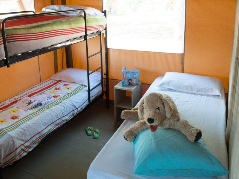 Glamping - Romagna camping village - slaapkamer safaritent