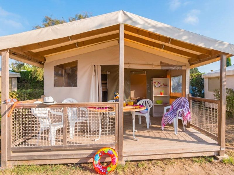 Les Tours - Ecolodge aanzicht - Glamping