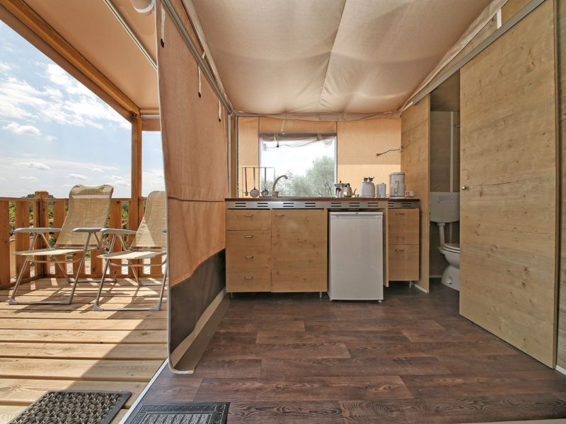 Castell Montgri - logement keuken - Glamping
