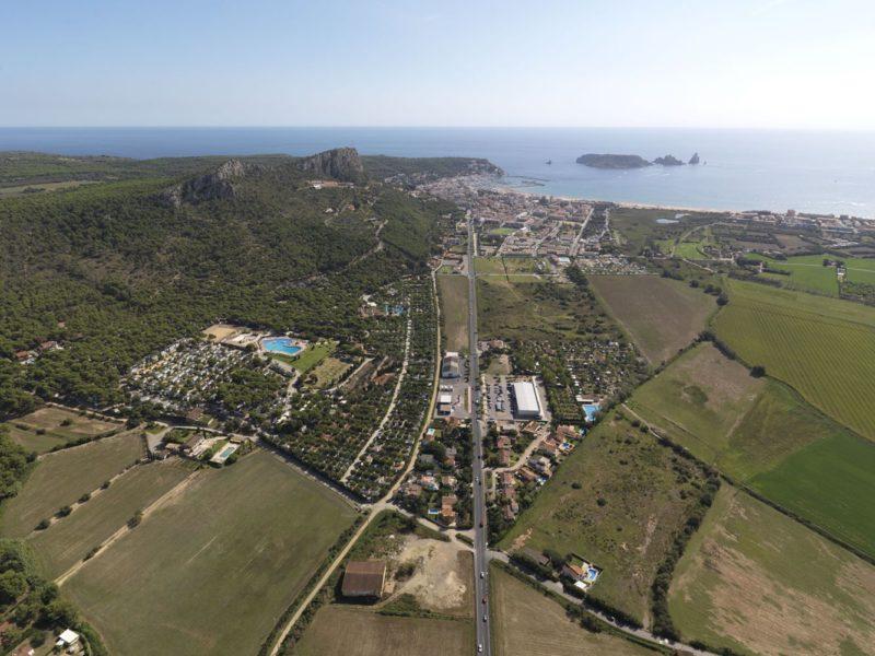Castell Montgri - overzicht camping - Glamping