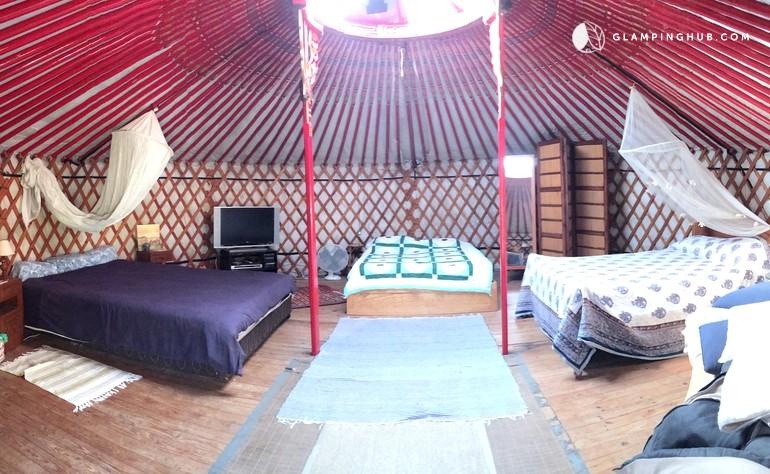 Slaapkamer Yurt - Quinta Ecosophia, glamping.nl
