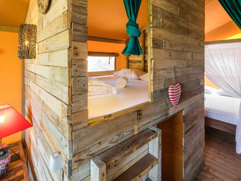 Bed glamping tent - Casa Tuia, glamping.nl