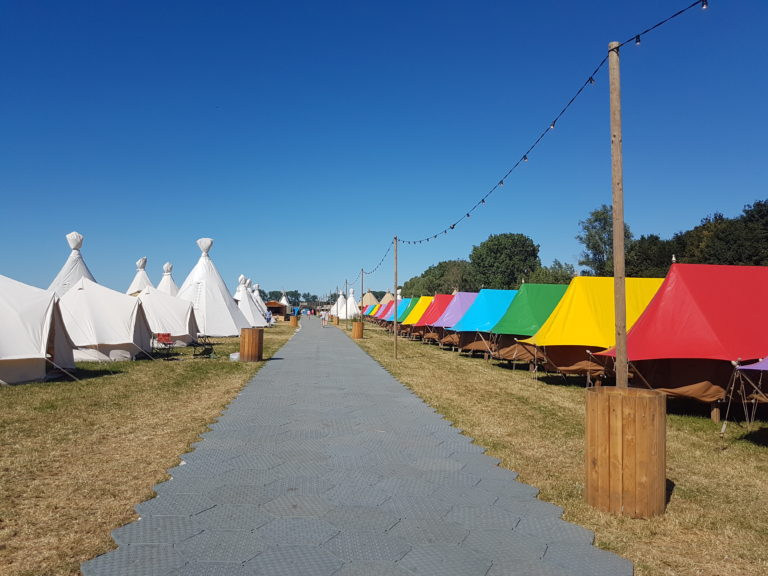 Terrein Down The Rabbit Hole - Campsolutions - Glamping