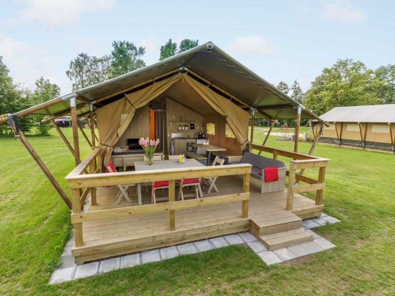 Verblijf lodgetent - Vakantiepark de Twee Bruggen, glamping.nl