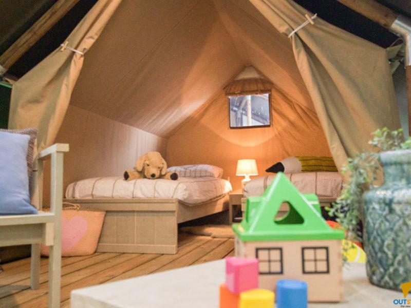Safaritent XS - slaapkamer, Weerd's hertenboerderij, glamping.nl