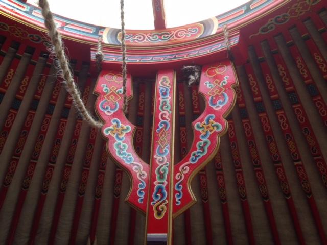 Schildering Yurt - Quinta Ecosophia, glamping.nl