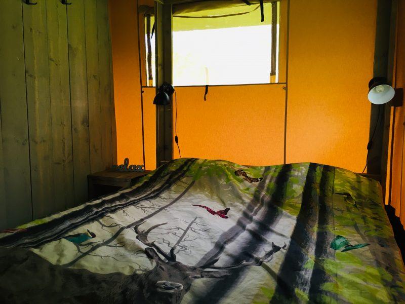 Slaapkamer Safaritent - Camping- & Hertenboerderij De Weerd