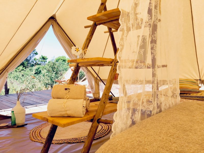 faciliteiten tipi tent - accommodatie, into the wild, glamping.nl